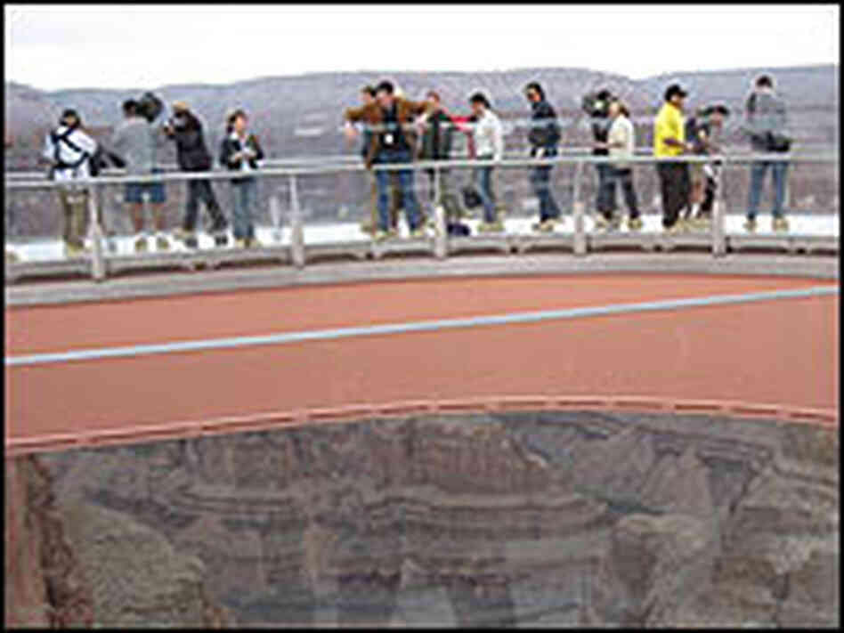 Visitors on the Grand Canyon Skywalk