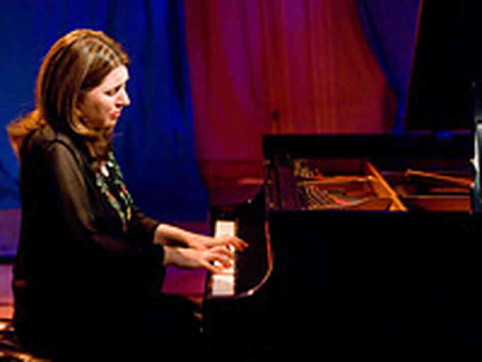 Simone Dinnerstein at the piano