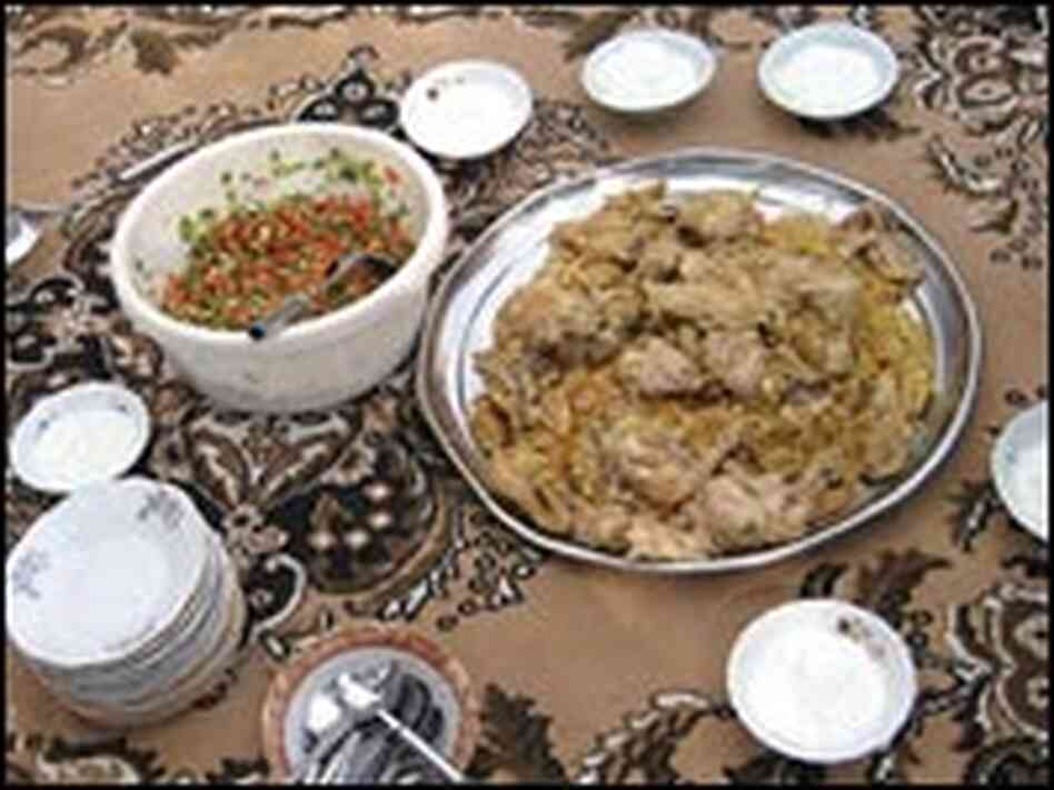 Maqloobeh dishes