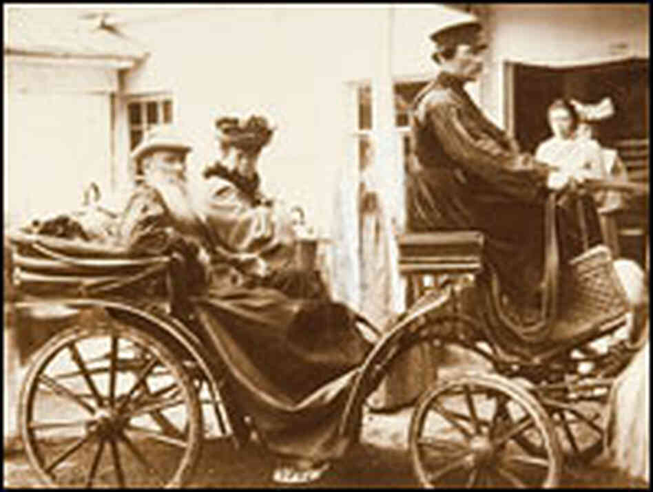 Leo Tolstoy with his daughter Tanya at Yasnaya Polyana, June 21, 1904.