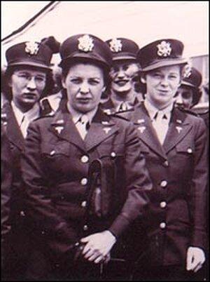 Kate Nolan, with fellow Army nurses