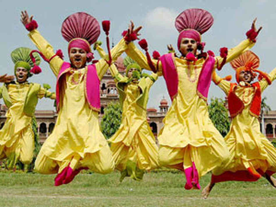 essay on bhangra in punjabi The term bhaṅgṛā refers to the traditional dance from the indian subcontinent  originating in the majha area of the punjab region contents 1 varieties.