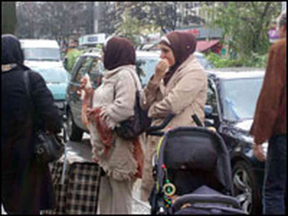 Women in the Neukölln district of Berlin