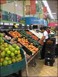 A Paiz supermarket in an upscale neighborhood in Tegucigalpa, Honduras.