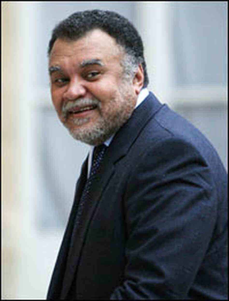 Prince Bandar bin Sultan bin Abdul Aziz al-Saud allegedly benefited from a BAE contract.