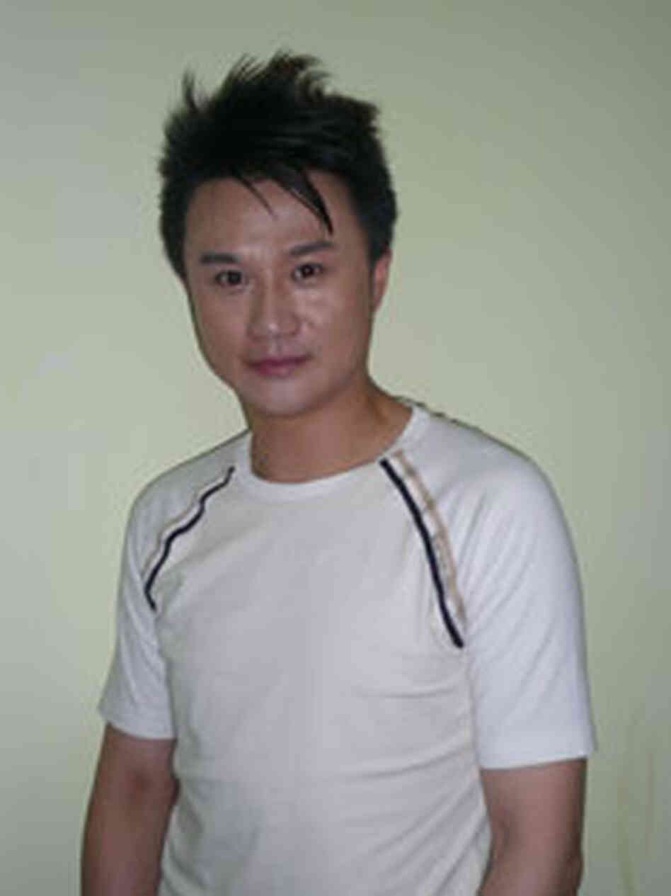 Jeffrey Zhang out of makeup