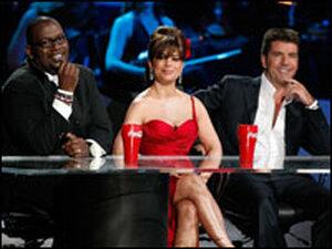 American Idol judges Randy Jackson, Paula Abdul, and Simon Cowell onsta