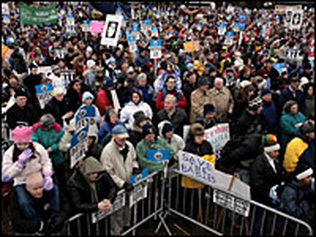 Thousands of anti-abortion demonstrators gathered during the March for Life in Washington, D.C., on the 33rd anniversary of Roe v. Wade in 2006. (Getty Images)