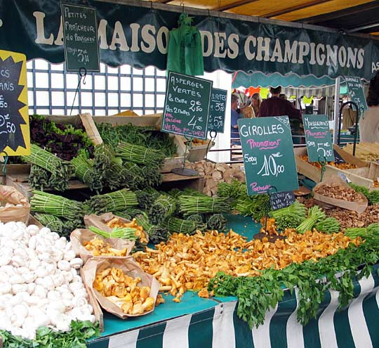 Paris is famous for its open-air food markets. But difficult economic times are turning them into giant foraging sites — and not just for the poor. [Source: iStockphoto.com/NPR]