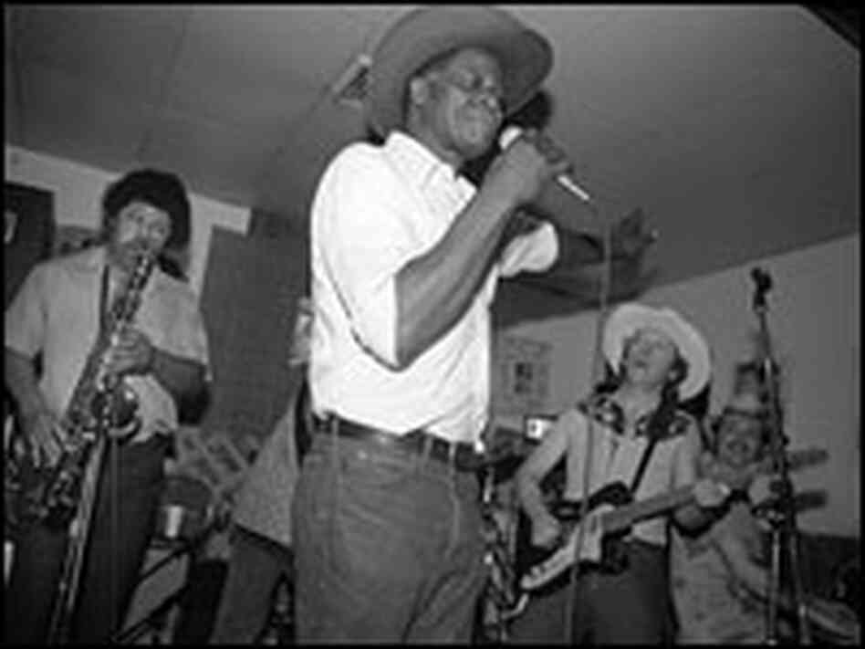 Stubb singing.