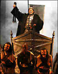 Avery Brooks plays an emperor in the play 'Tamburlaine.'