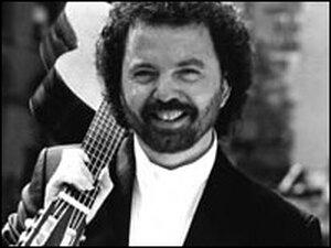 Guitarist Manuel Barrueco.