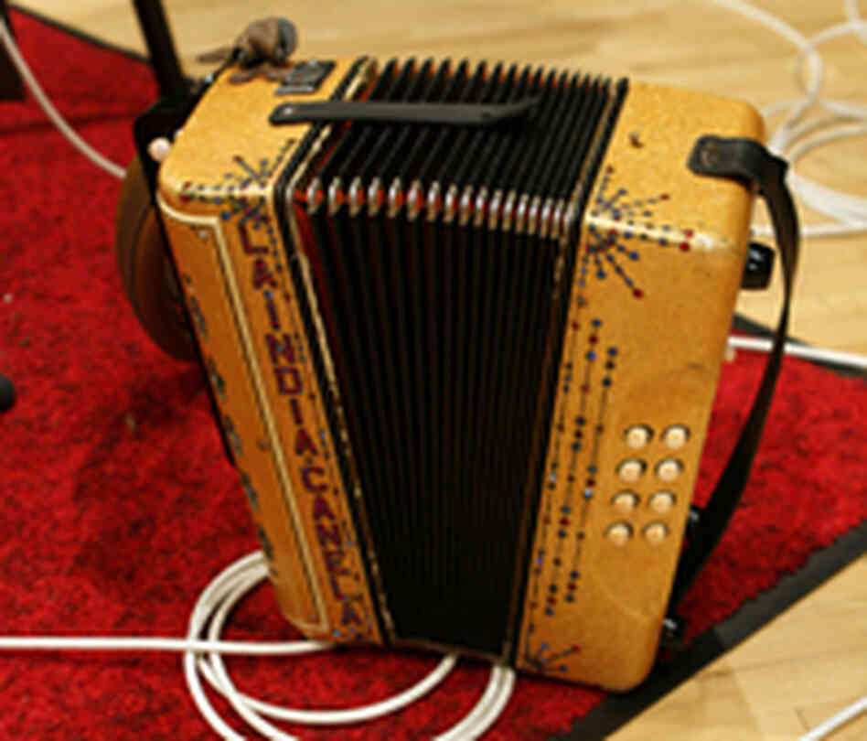 Accordion (200)