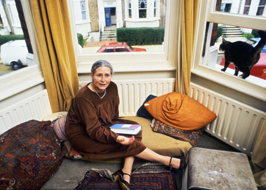Doris Lessing at home in 1984