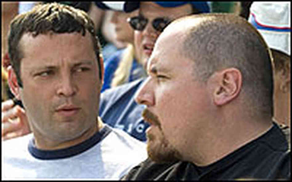 Vince Vaughn with Jon Favreau in 'The Break-Up'