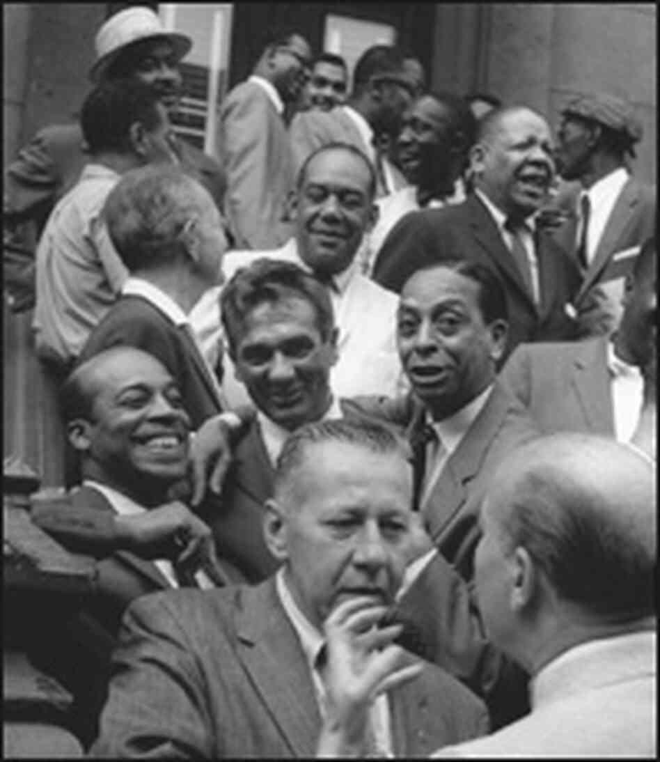 Hinton's photo from the Esquire photo shoot in Harlem in 1959