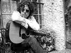 singer, songwriter, and guitarist Gary Louris