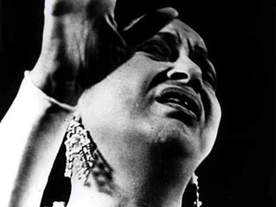 the life career and musical style of the egyptian singer umm kulthum The voice of egypt: umm kulthum, arabic song, and egyptian society in the twentieth century by virginia danielson i know for fact that this egyptian singer was and still the greatest singer on earth even if one can't understand the language her music is fantastic the book gives s wonderful introduction about umm kulthum's life as a person, daughter, a great singer and a wife umm.