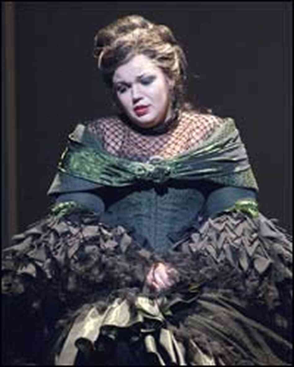 Elaine Alvarez as the Countess