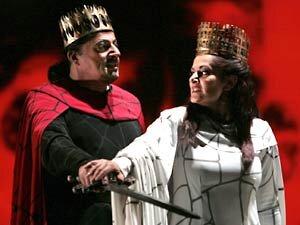 Lado Ataneli and Paoletta Marrocu as Macbeth and Lady Macbeth