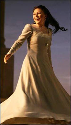 Olga Guryakova as Amelia