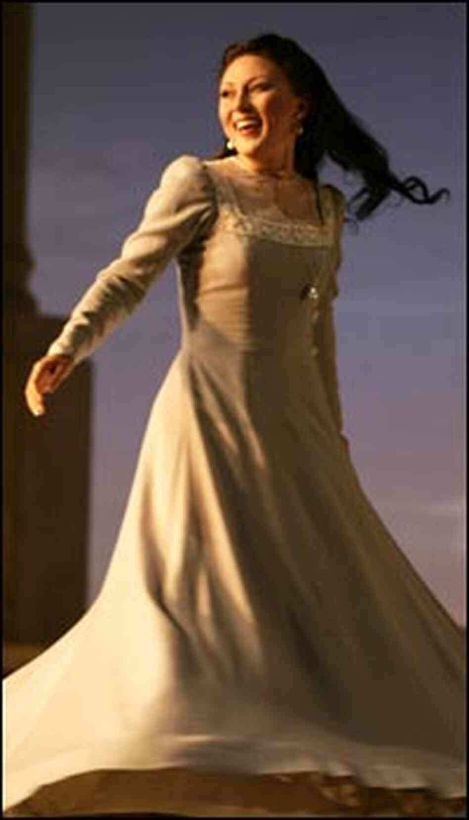 Olga Guryakova as Amelia