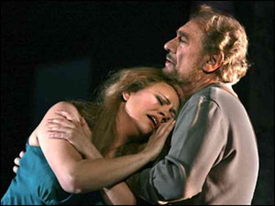 Anja Kampe with Placido Domingo as Sieglinde and Siegmund