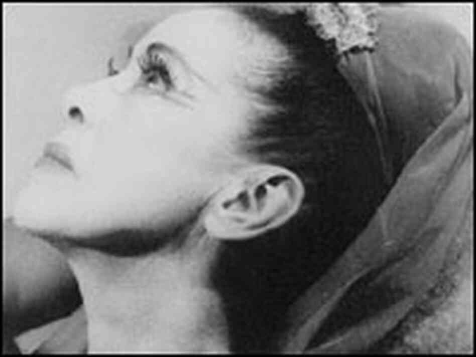martha graham i am a dancer essay Free essay: martha graham martha graham was one of the most influential figures in american modern dance, and her techniques and styles are still practiced.